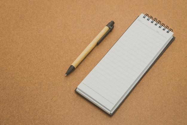 Livro portátil de negócios cartão corporativo