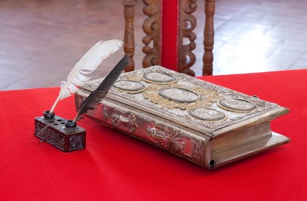 Livro vintage do século 15