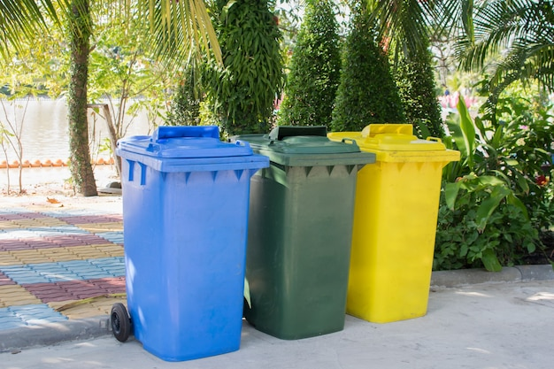 Lixo em área pública