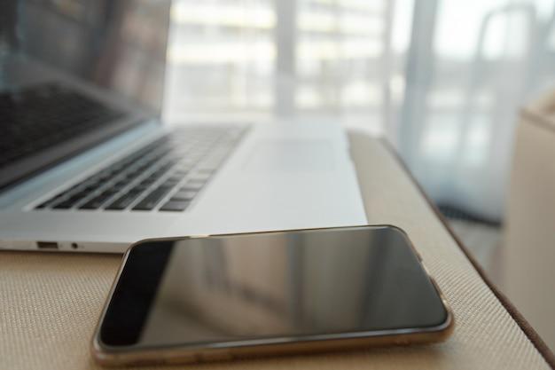 Local de trabalho. laptop, notebook