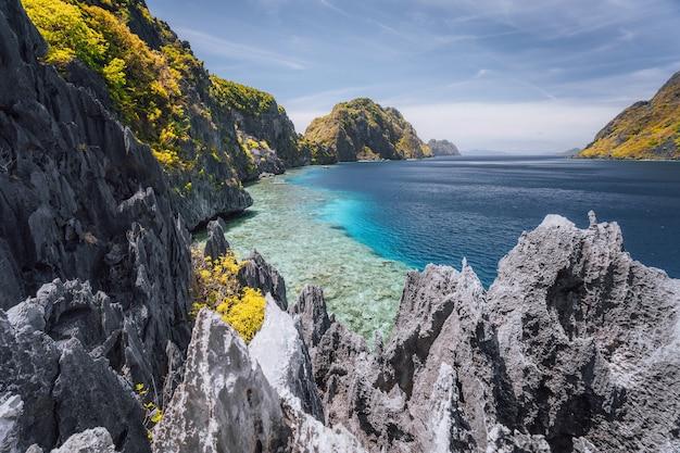 Local famoso para passeios de barco em el nido, ilha palawan, filipinas.