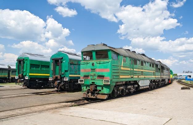 Locomotivas a diesel no depósito