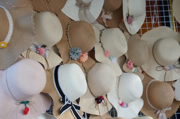 Loja de chapéus para mulheres existem muitos estilos