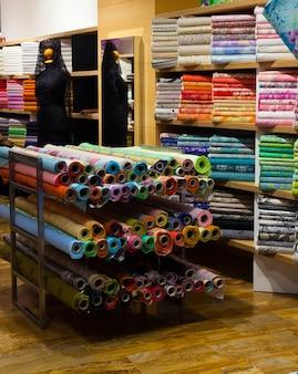 Loja de tecido com tecidos