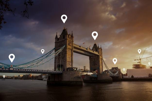 Londres e prédio metropolitano da ue europa para rede e conceito futuro