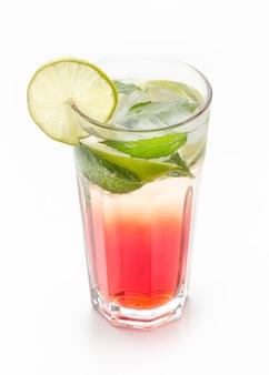 Long drink com hortelã