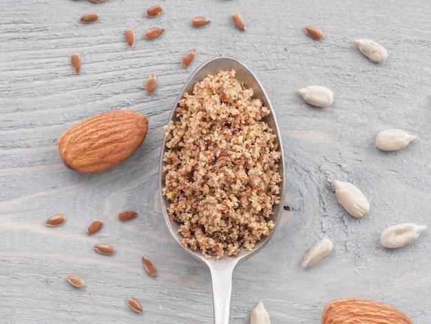 Lsa mix, linhaça, sementes de girassol, amêndoas