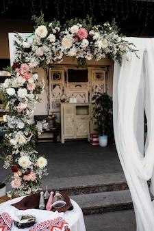 Lugar floral em um evento de férias