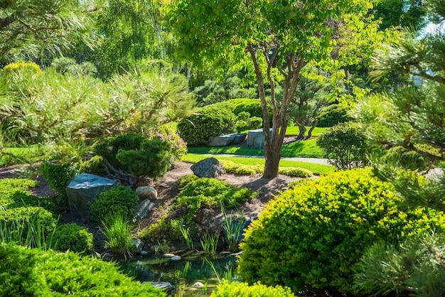 Lugar japonês do jardim