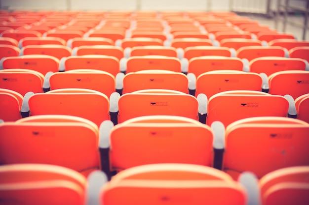 Lugares vazios no estádio cor vintage