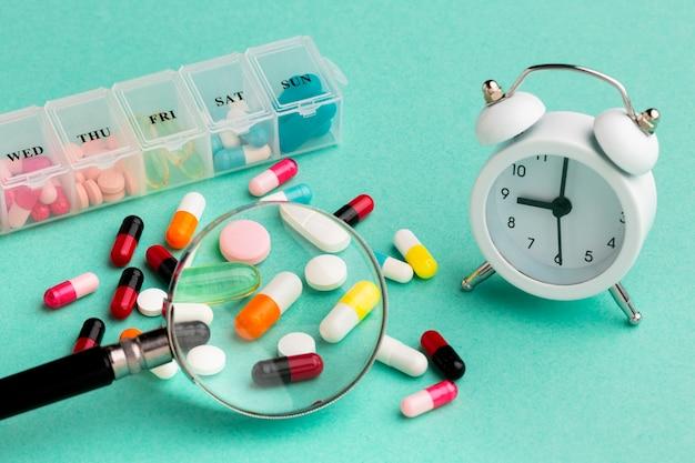 Lupa de alto ângulo com pílulas