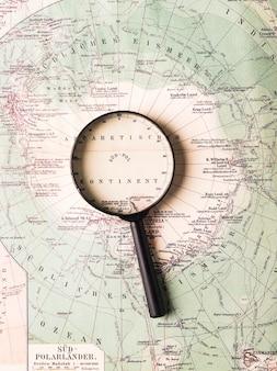 Lupa no mapa