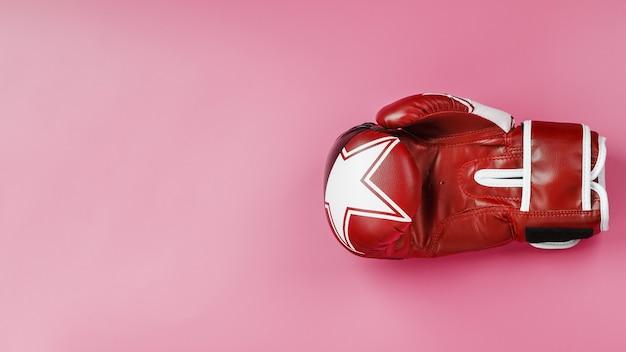 Luva de boxe vermelha