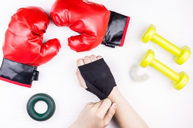 Luvas de boxe e pata