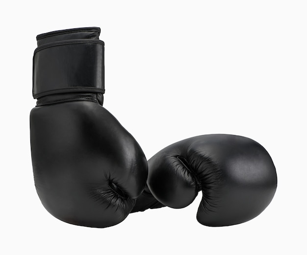 Luvas de boxe pretas isoladas no fundo branco. roupa de esporte