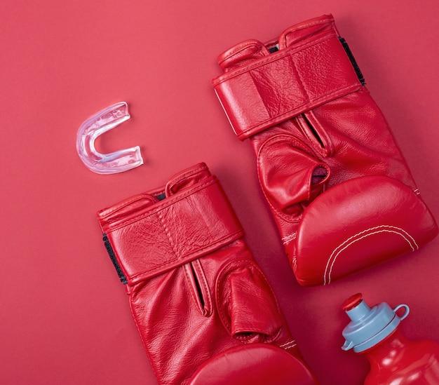 Luvas de esporte de boxe vermelho