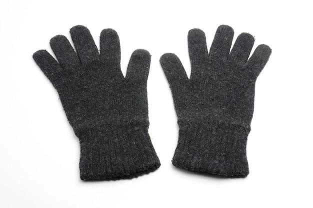 Luvas de lã tricotadas de inverno isoladas