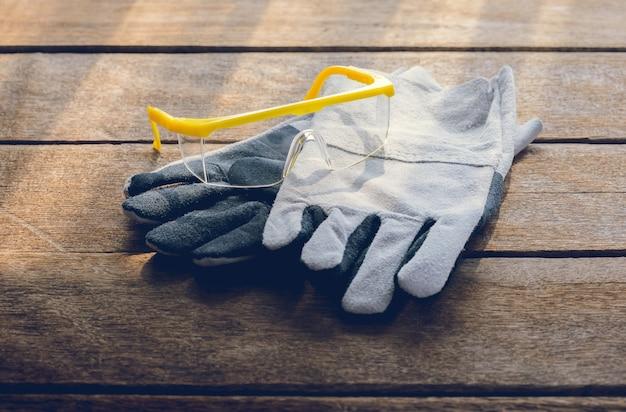 Luvas de proteção, óculos de proteção, equipamento de segurança de construção padrão