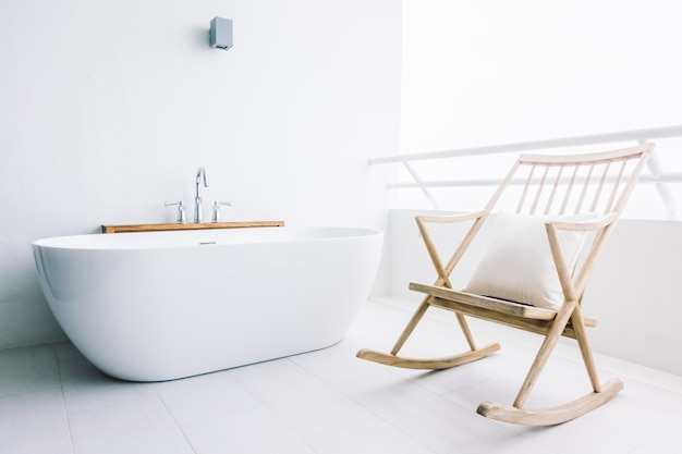 Luxo bela decoração banheira branca