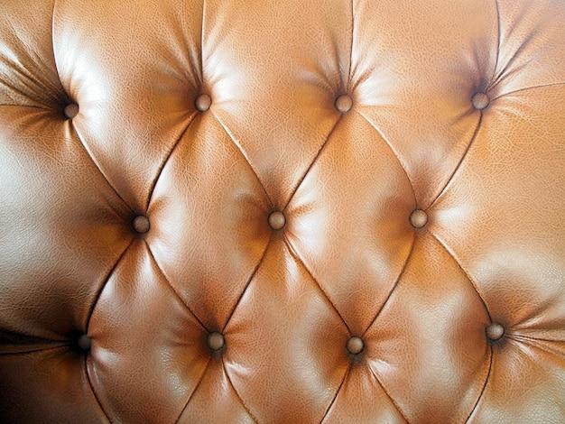 Luxo marrom couro abotoado