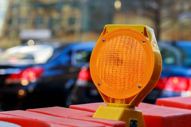 Luz de advertência amarela
