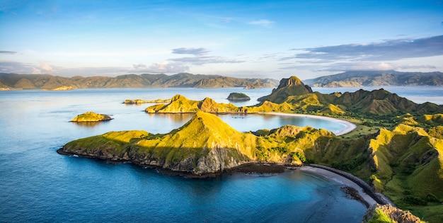 Luz manhã, ligado, padar, ilha, parque nacional komodo, indonésia