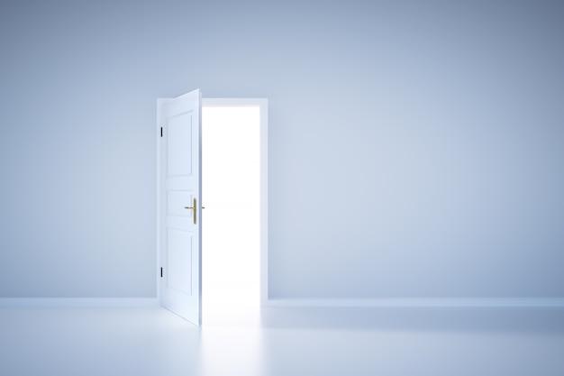 Luz que brilha da porta aberta. entrada