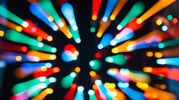 Luzes coloridas em movimento