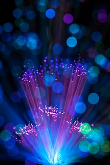 Luzes de fibra colorida com manchas desfocadas