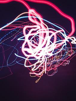 Luzes vermelhas, brancas e azuis