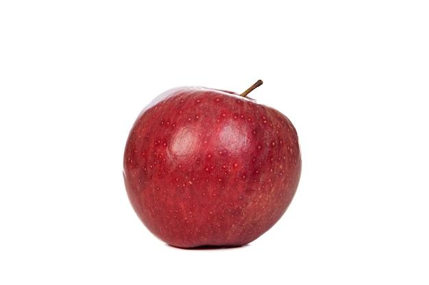 Maçã vermelha deliciosa, isolado no fundo branco
