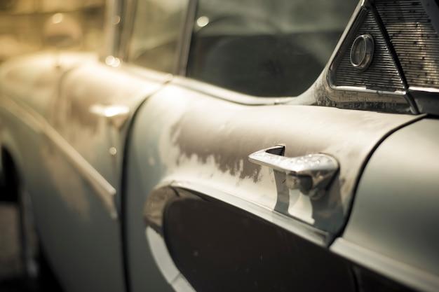 Maçaneta da porta no carro velho