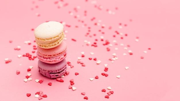 Macarons de dia dos namorados com corações