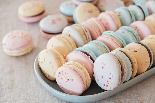 Macaroons pastel coloridos