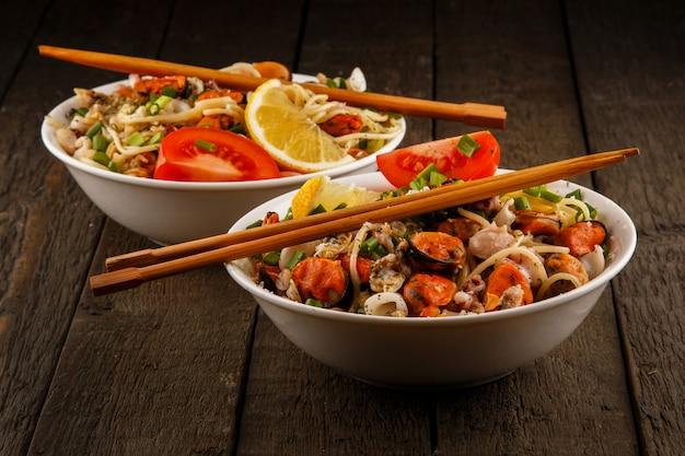 Macarrão com frutos do mar