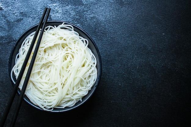 Macarrão de arroz fino
