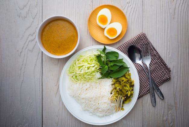 Macarrão de arroz tailandês