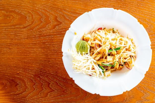 Macarrão estilo tailandês