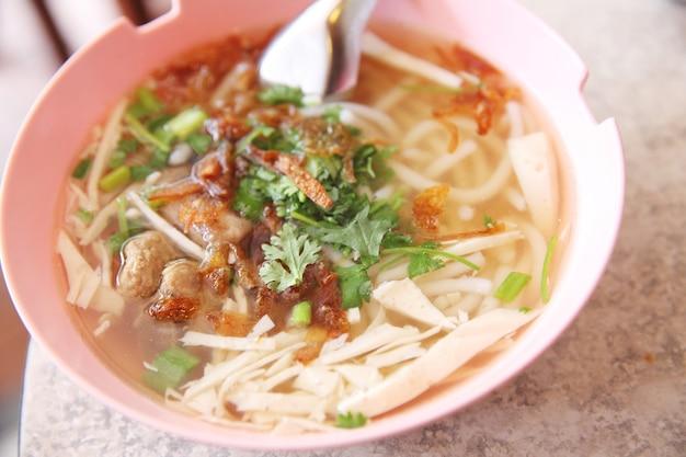 Macarrão vietnamita