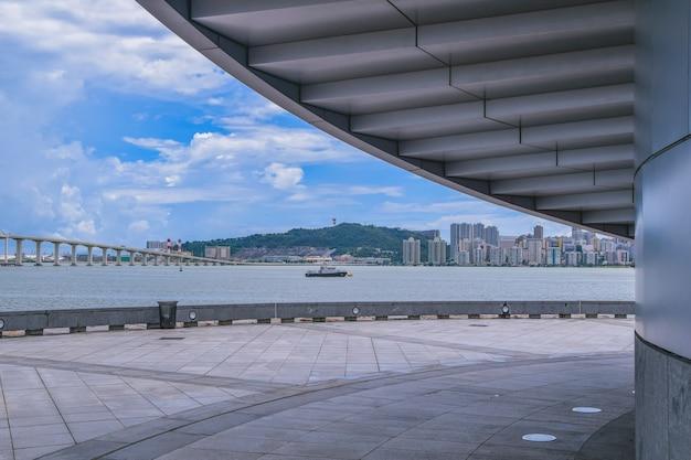 Macau, china ago, 25.2021 centro de ciência de macau, um edifício distinto, assimétrico, cónico e com um passadiço em espiral, macau. arquitetura moderna