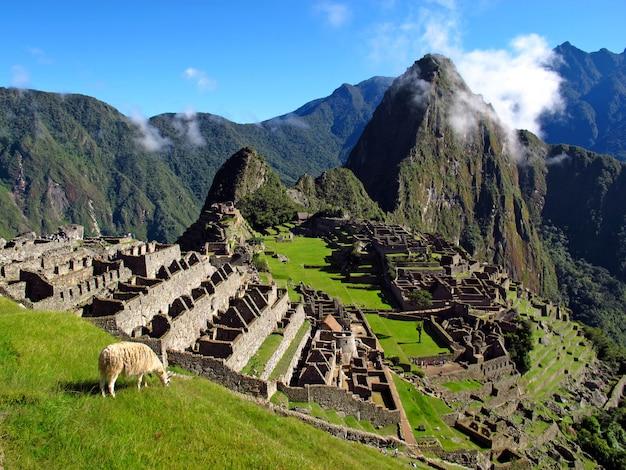 Machu picchu é a capital do império inca na cordilheira dos andes, peru, américa do sul