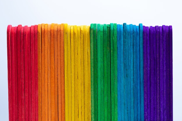 Madeira colorida. arco iris