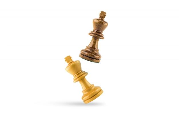 Madeira de xadrez em fundo branco