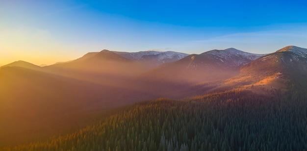 Madrugada maravilhosa nas montanhas