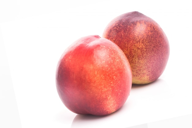 Maduro, pêssego, fruta, isolado, branca, fundo, entalhe
