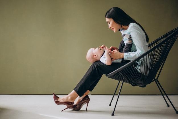 Mãe, com, dela, filho recém-nascido