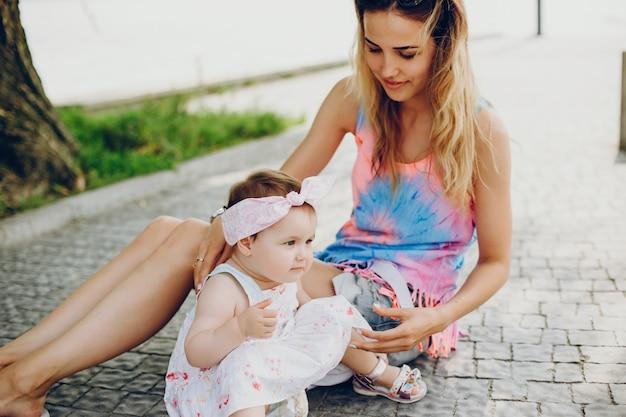 Mãe, descansar, com, dela, filha