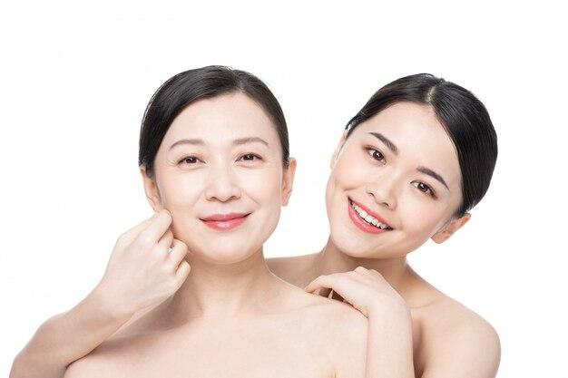 Mãe e filha beleza cuidados com a pele