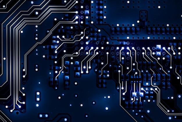 Mainboard com circuitos e luzes