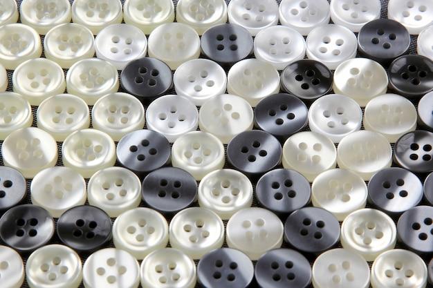 Mais botões de madrepérola diferentes